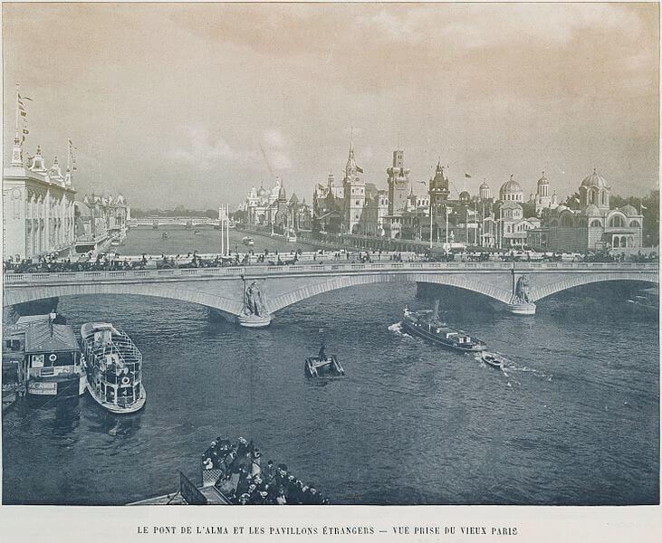 Le_pont_de_l'Alma_et_les_pavillons_étrangers;_Vue_prise_du_vieux_Paris